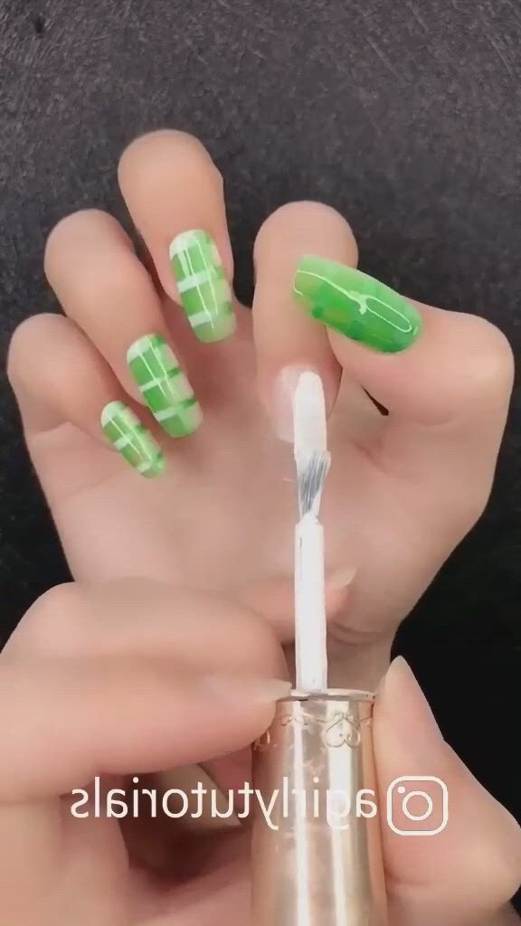 Amazing Nail Art Designs For Beginners - Video & GIFs   fancy nails designs,nail art designs,nail art hacks,nail art,nail polish designs,nail art diy,diy nails,mate nail polish,art deco nails