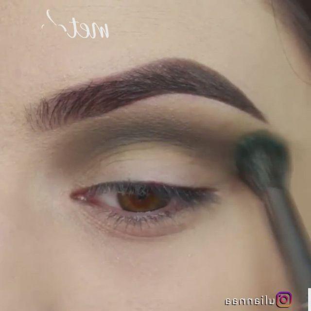 Green halo eye