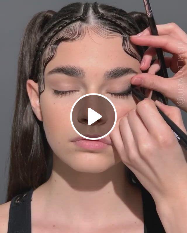 Sultry Makeup Looks - Video & GIFs | maquillaje ojos verdes, tutorial maquillaje ojos, maquillaje de ojos colorido, makeup goals, makeup inspo, makeup tips, hair makeup, makeup and beauty blog, beauty skin, beauty hacks, cat eye eyeliner, eyeshadow makeup